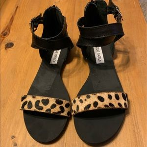 Flat animal print leather/calf hair sandals